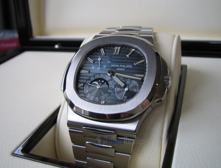 patek philippe replica nautilus 5712-1a blue dial skeletron acciaio 324SC clone movement