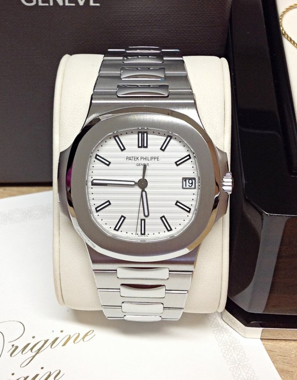 Patek Philippe replica Nautilus 5711-1A-011 White Dial clone movement