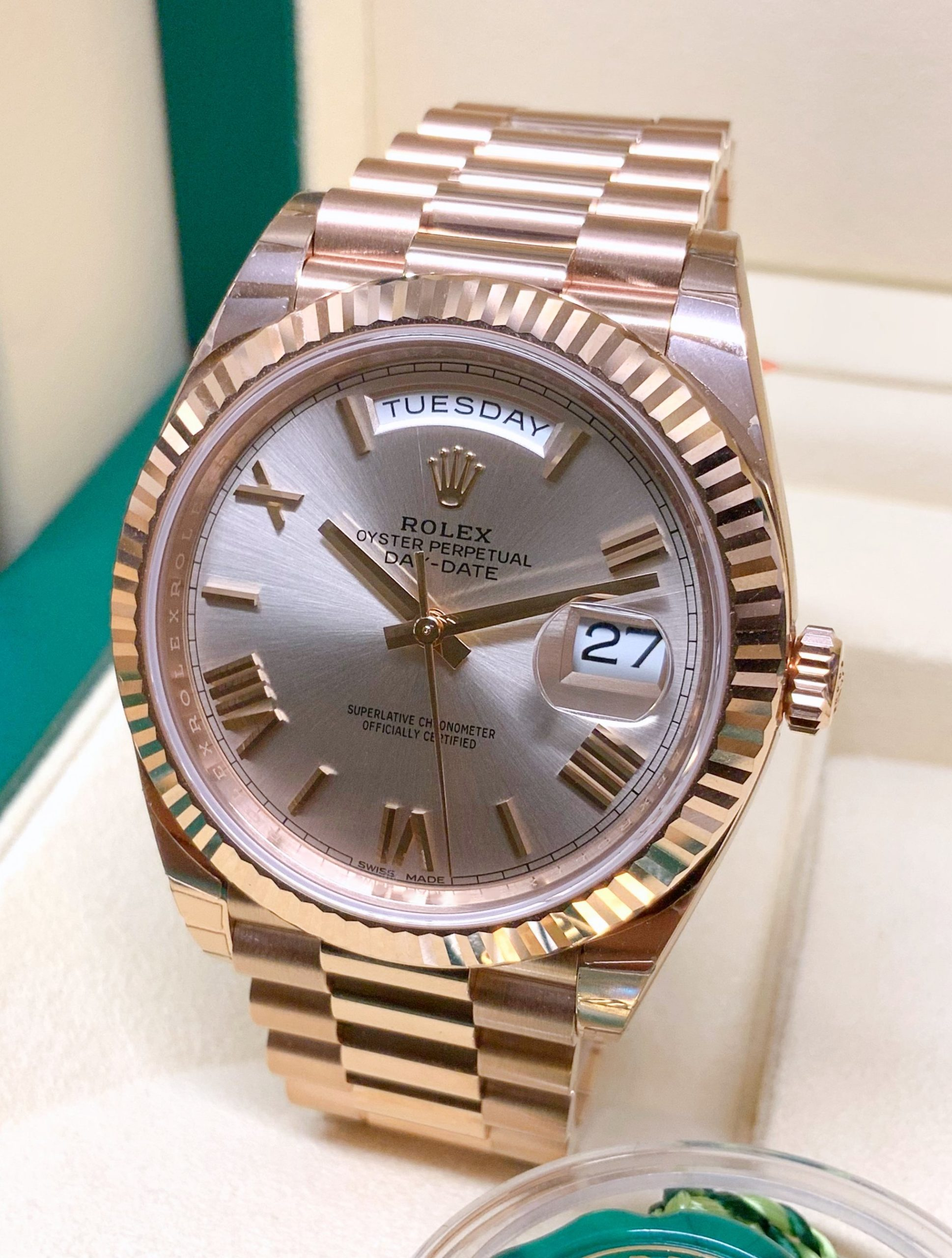 Rolex replica Day-Date 40 228235 Rose Gold clone movement