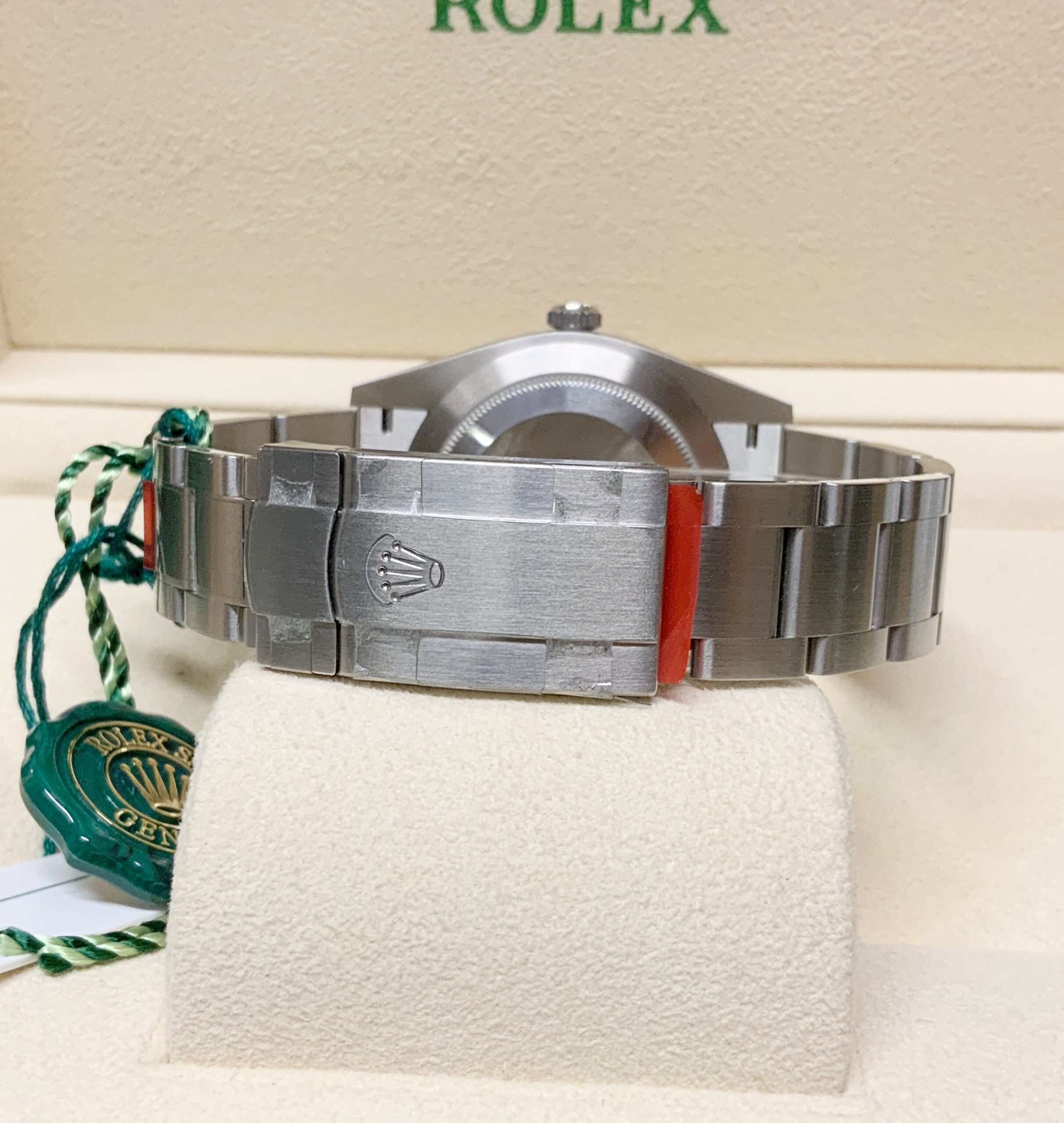 Rolex replica oyster perpetual 41mm 124300 green dial my2020