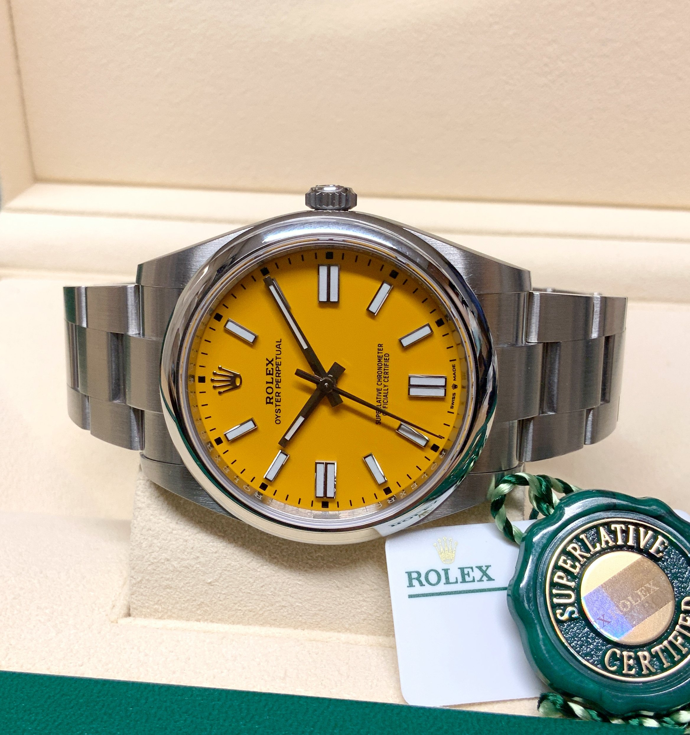 Rolex replica oyster perpetual 41 124300 yellow dial my2020