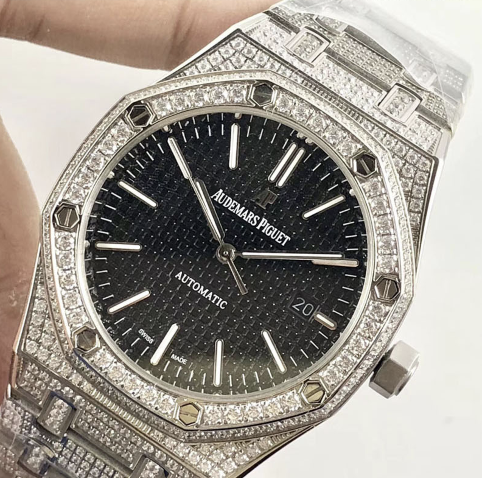Audemars piguet replica royal oak 15400ST 41mm white gold full paved diamonds black dial