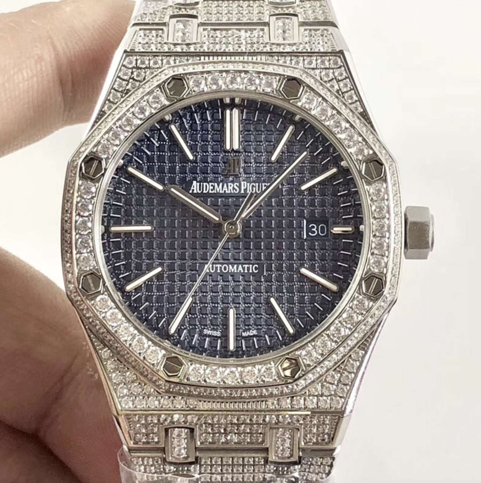 Audemars piguet replica royal oak 15400ST 41mm white gold full paved diamonds blue dial