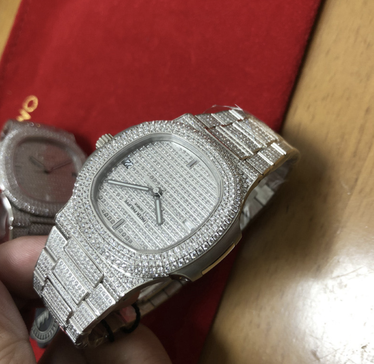 Patek philippe replica nautilus 5719/1G full diamond pave diamond 324SC clone movement